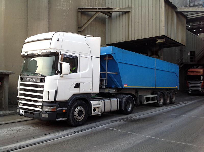 7 Metades Transportes Pedreira