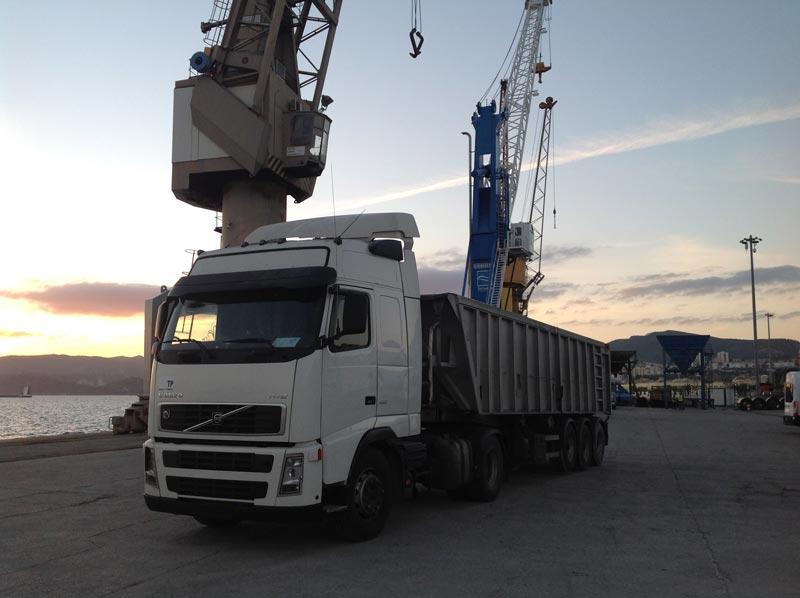 7 Metades Transportes - Descarga/Carga Estaleiro